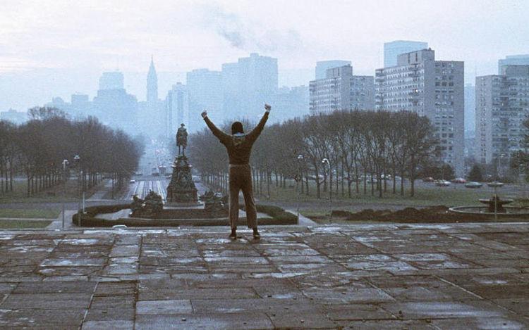 Rocky, o Lutador - Filme vencedor do Oscar, foi estrelado e dirigido por Sylvester Stallone