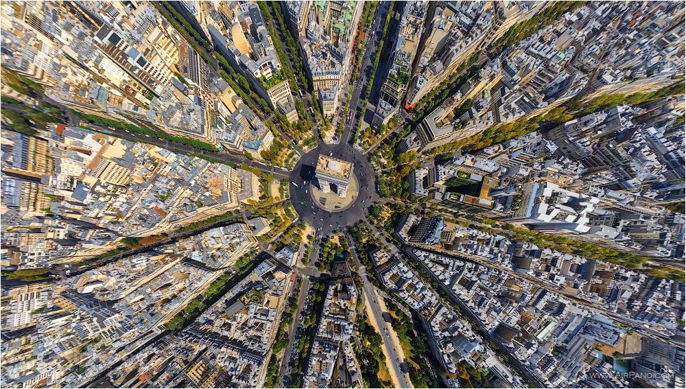 Arco do Triunfo, em Paris, na França.