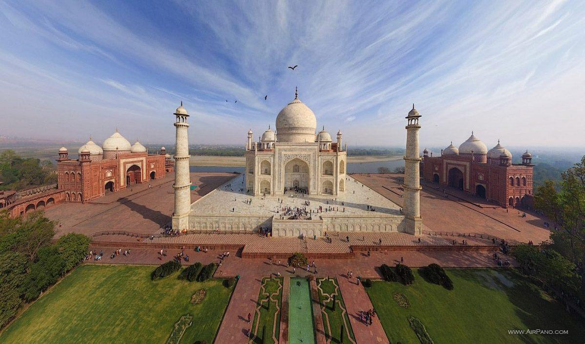 Panorâmica do Taj Mahal, na Índia.
