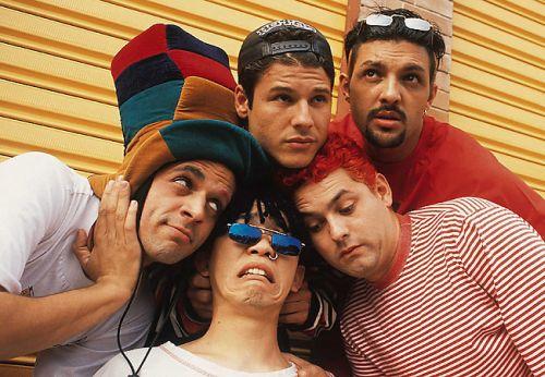 Mamonas para sempre - Os bastidores de uma das bandas mais populares do país anos após a morte de seus integrantes