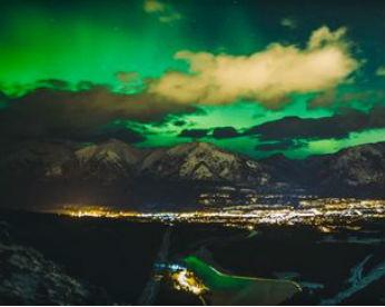 Fotógrafo registra Aurora Boreal por 2 anos e cria vídeo em timelapse com mais de 6,5 mil imagens