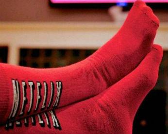 Netflix cria meias que detectam se você dormiu e pausam o programa