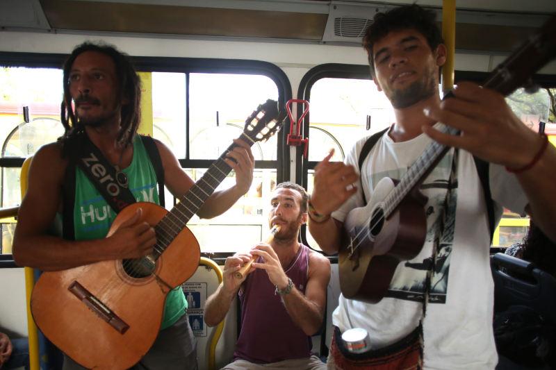 O repertório inclui músicas cubanas e colombianas. Créditos: Hesíodo Góes/DP