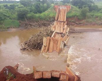 Ponte de R$ 1,3 milhão desaba no Mato Grosso do Sul, em vídeo impressionante