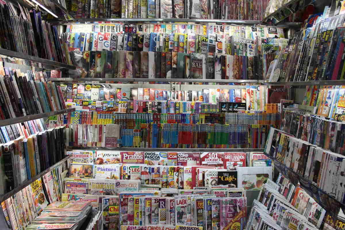 Bancas de revistas resistem numa metrópole que lê cada vez menos