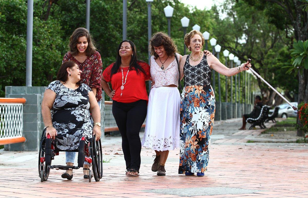 Auroras: histórias de vida e resistência de mulheres do Recife