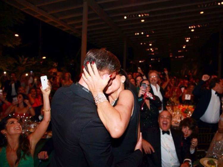 SP: Socialite compra beijo de Ricky Martin por R$ 317 mil