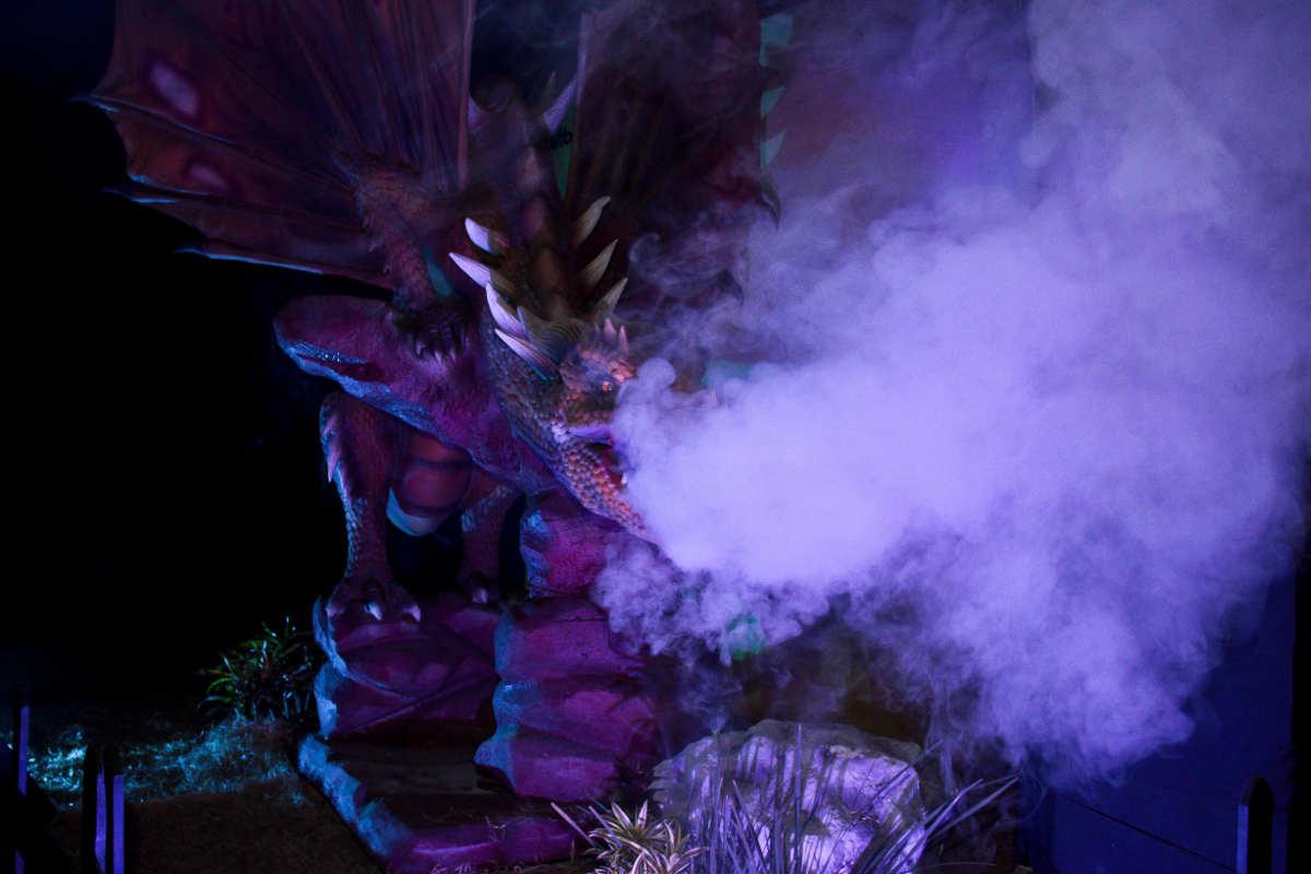 10 dragões gigantes são expostos no Recife