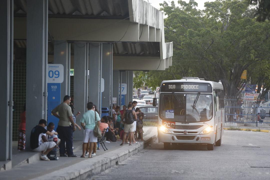 Rio Doce/Barra de Jangada: a viagem mais longa em linha (quase) reta do estado