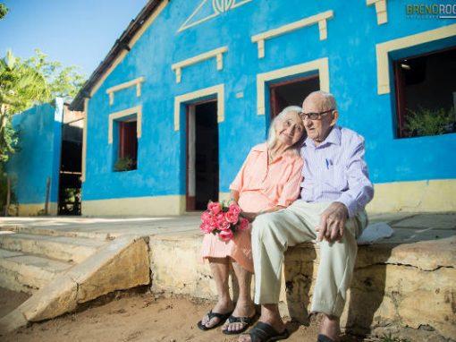 Fotos de ensaio de 65 anos de casados viraliza na internet