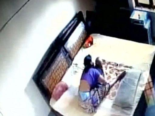Vídeo flagra mãe batendo e esganando o próprio filho