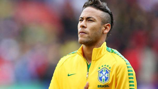 Homem que fingia ser Neymar para extorquir mulheres é preso