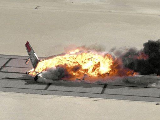 Nasa filma queda e explosão de avião em teste