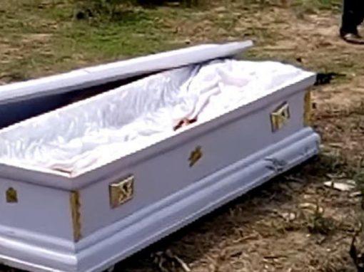 Cadáver é roubado em funeral por causa de dívida