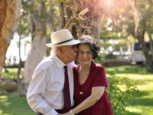 Ensaio de idosos casados há 70 anos emociona a web