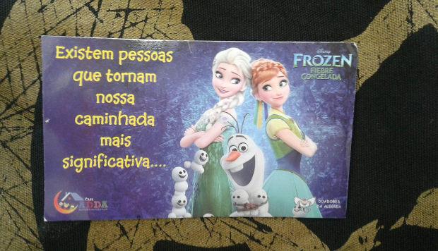Ladrão manda cartão de Frozen para pedir desculpas após assalto