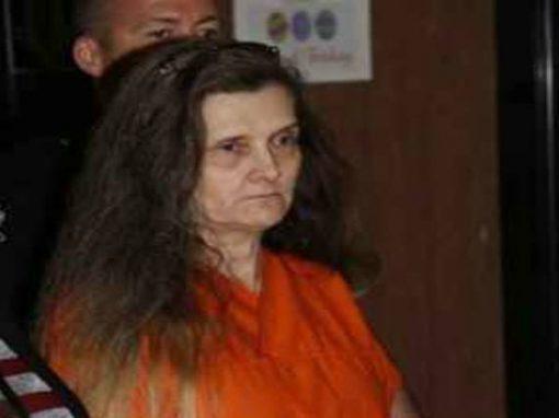 Avó é condenada a prisão perpétua por torturar neta