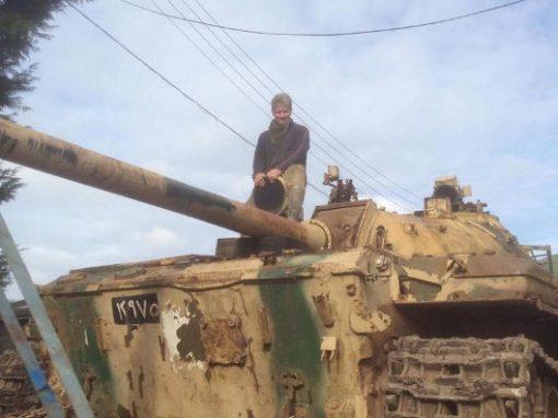 Colecionador encontra R$ 7 milhões em ouro escondidos em tanque