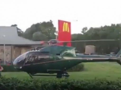 Homem pousa helicóptero na McDonald's e compra lanche