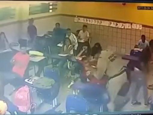 Vídeo mostra PM agredindo aluno em sala de aula