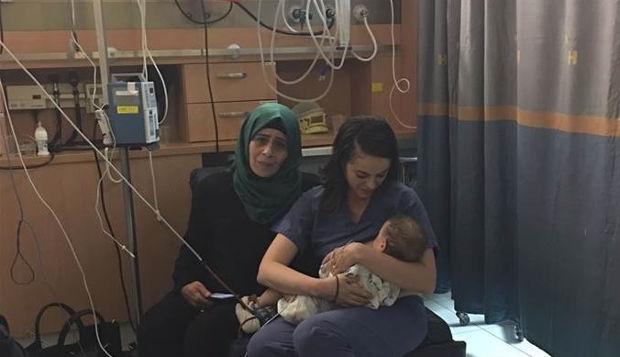 Enfermeira judia amamenta bebê palestino depois de acidente e gera comoção