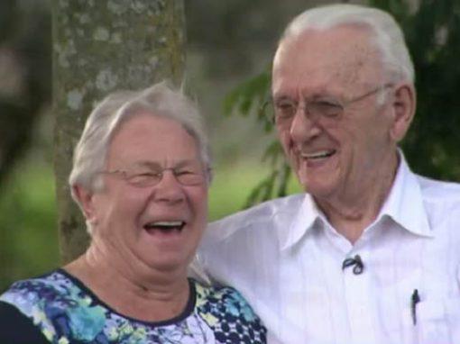 Após 72 anos, homem viaja para reencontrar 1ª namorada na Holanda