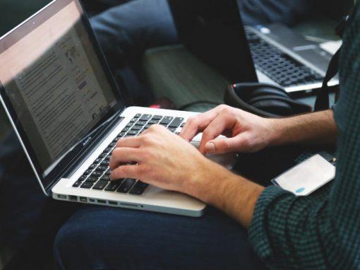 Estúdio pornô busca programador que tope também atuar
