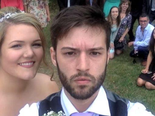 Homem faz uma selfie por dia dos 12 anos até seu casamento