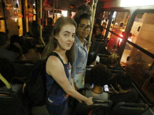 """Moro no interior e estudo no Recife: o desafio quem """"dá duas voltas ao mundo"""" no trânsito para se graduar"""