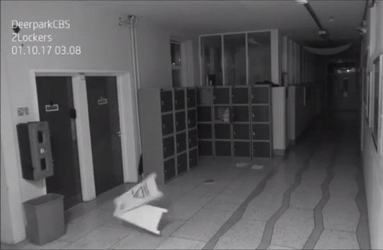 Câmeras notunas de movimento captam atividade inexplicada em escola
