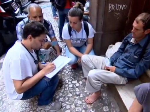 Médico cria ONG para tratar moradores de rua