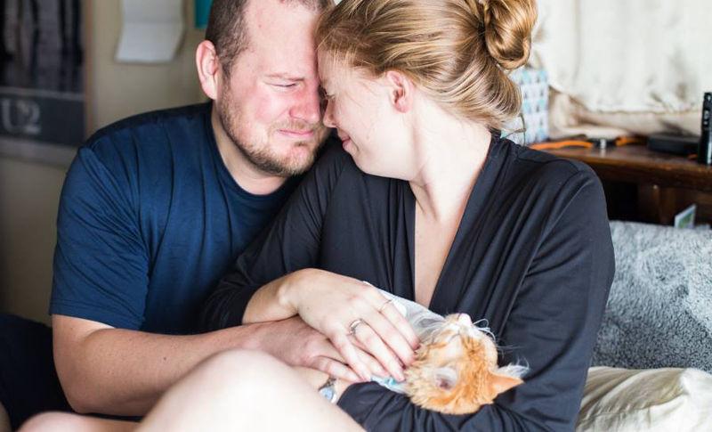 """Ensaio de casal """"parindo"""" gato enlouquece a web"""