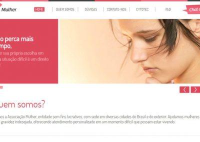 """Grupo pró-vida faz site """"enganoso"""" para convencer mulheres a não abortar"""